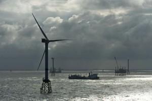 Errichtung einer Senvion 6M im Offshore-Windparks Nordsee Ost